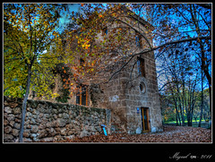 El Torren de los Templarios. / The Tower of the Templars. (Miguel Angel SGR) Tags: street travel autumn trees light espaa naturaleza tree castle leaves architecture del lights spain arquitectura nikon europa europe murcia viajes otoo marques turismo fuentes castillo hdr piedra caravaca caravacadelacruz streetligh fuentesdelmarqus fuentesdelmarques nikond3000 nikonflickraward
