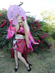 Luna cosplay (I*Am*The*Great*Moon*Goddess*) Tags: pink wild hair shoes long jane cosplay mary goth makeup luna lolita parasol geisha blonde kimono goof jpop