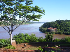 Hito Tres Fronteras -Brasil (Gaby Fil Φ) Tags: argentina misiones iguazú patrimoniodelahumanidad ph039 maravilladelmundo argenntina litoralargentino
