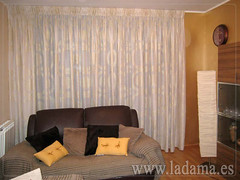 "Cortinas Clásicas en La Dama Decoración • <a style=""font-size:0.8em;"" href=""http://www.flickr.com/photos/67662386@N08/6501353735/"" target=""_blank"">View on Flickr</a>"