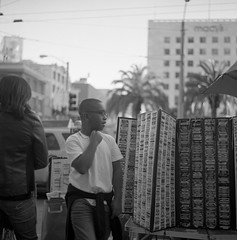 Kodak Tmax100-665 (Aranjuez Chou) Tags: life sanfrancisco bw film rolleiflex mediumformat 11 66 d76 squareformat unionsquare 20c kodaktmax100 xenotar rolleiflex28e 9mins 銀鹽 epsonv750 中判