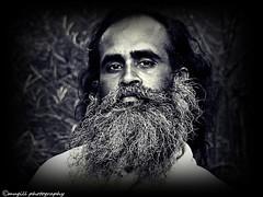 The sage (Mugill) Tags: portrait india white man black canon sage hindu hinduism tamil sadhu guru ascetic nadu pious tiruvannamalai 550d