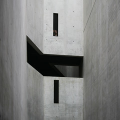 Sguardi (salvatore tardino) Tags: windows light berlin scale girl wall museum canon grey eye