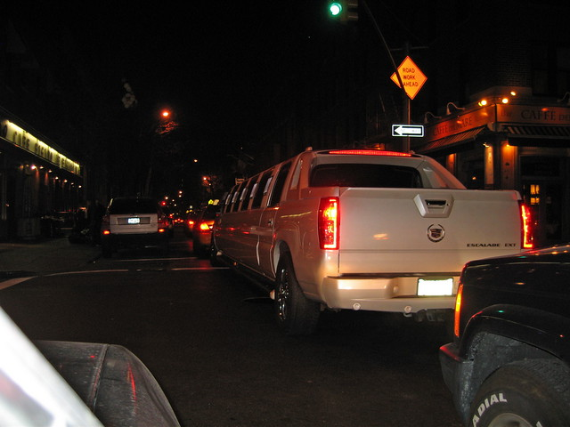 stretch cadillac escalade ext