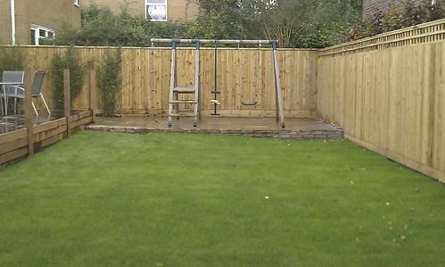 Hardwood Decking Alderley Edge - Modern Family Garden. Image 21
