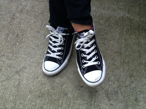 white black shoes sneakers tennis converse chucktaylors allstars tennisshoes sneekers lowcuts tshoes teeshoes