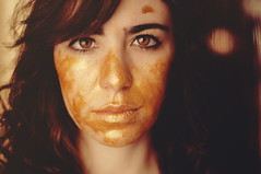 #18  golden girl (Ana Lusa Pinto [Luminous Photography]) Tags: selfportrait hair gold golden paint acrylic 365 project365 365days luminousphotography luminouslu analusapinto