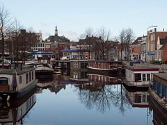 Groningen, Turfsingel (Jeroen Hillenga) Tags: netherlands day clear groningen watergang