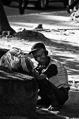DSC_0198 (Kohji Iida) Tags: old man photography photo nikon asia metro south philippines picture east manila filipino local folks pinoy kohji lawton iida d90