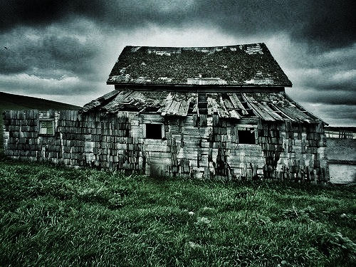 Abandoned Farm, Qu