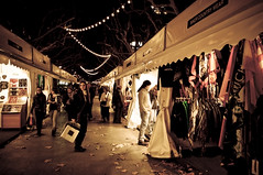 De compres (Joan G.G.) Tags: hippies de aire nadal mercè lliure compres botigues