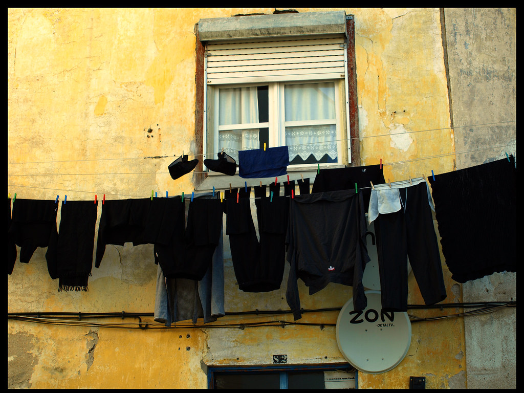 The world 39 s best photos of portugal and tendedero flickr - Tendederos de ropa ...