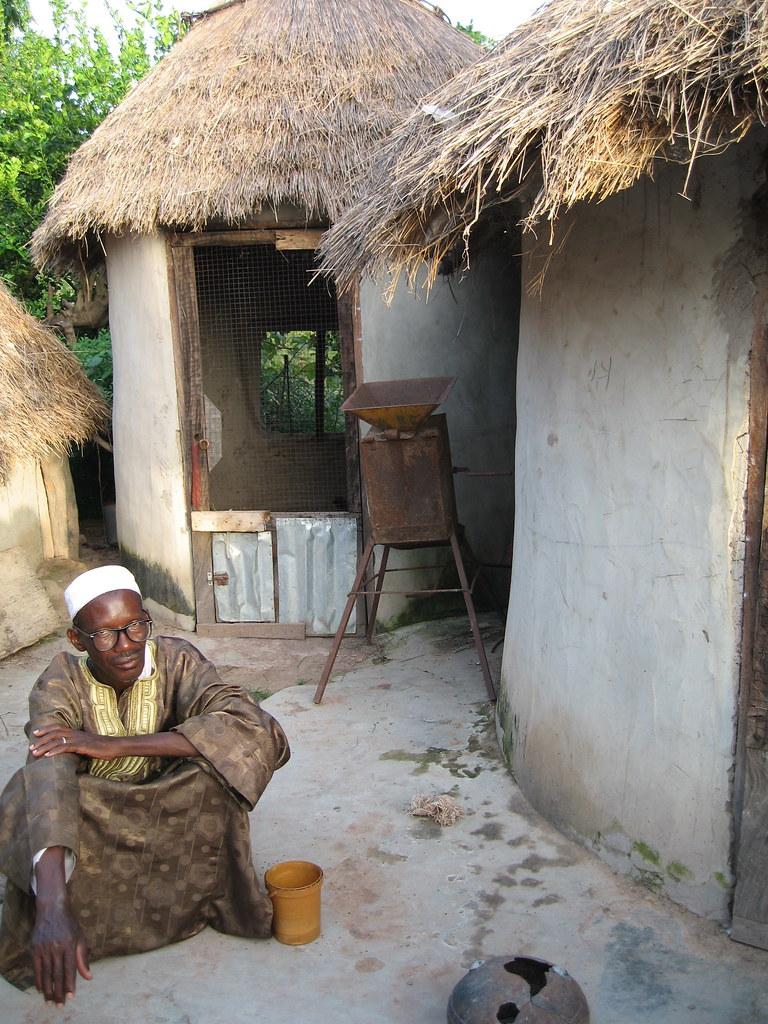 Homme au village