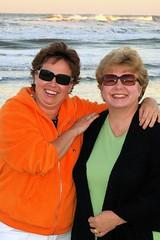 Suzanne & Linda (Marbeck53) Tags: ocean people water coast women minolta florida suzanne shades linda konica females persons dimage humans z5 sweatshirts marbeck53 markriesenbeck staugustune