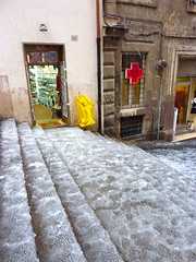 Steps and tourist shop (kattebelletje) Tags: rome stairs steps touristshop snowinrome rome2012