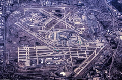 O'Hare from 37,000 feet (Jersey JJ) Tags: chicago window airport altitude seat ohare international ord hdr runways 37000