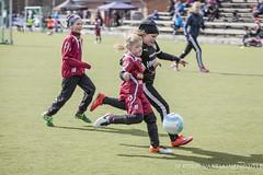 1604_FOOTBALL-27 (JP Korpi-Vartiainen) Tags: game girl sport finland football spring soccer hobby teenager april kuopio peli kevt jalkapallo tytt urheilu huhtikuu nuoret harjoitus pelata juniori nuori teini nuoriso pohjoissavo jalkapalloilija nappulajalkapalloilija younghararstus