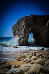 DSC_0235 (FlipperOo) Tags: voyage sea mer france color st rock port de nikon pierre vagues plage morbihan blanc roche arche quiberon instagramapp