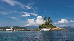 Ilha Botinas (..Javier Parigini) Tags: sea brazil praia brasil riodejaneiro mar nikon flickr playa ilhagrande angradosreis nikkor ilha f28 oceano d800 islagrande botinas 1424mm javierparigini
