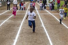 Semaine de l'olympisme  Bertrand Guigou (Ville de Villeneuve-la-Garenne - compte officiel) Tags: sport enfants stade jeux olympisme villeneuvelagarenne