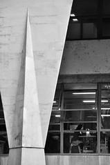 café da tarde (Vitor Nisida) Tags: cidade urban bw arquitetura architecture sãopaulo centro ciudad pb sampa sp urbana fau usp artigas fauusp centrosp vilanovaartigas archshot cidadesbrasileiras