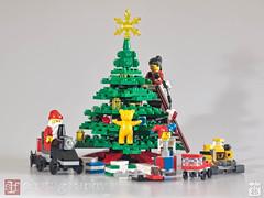 trimming the big tree (Sharon Linne Faulk) Tags: usa macro toys lego florida wesleychapel topazadjust capture365