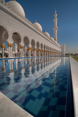 Reflection of Sheik Zayed Grand Mosque (joeborg) Tags: mosque religion sheikhzayedgrandmosque abudhabi uae reflection lpbright hdr islam nikonflickraward lp2011winners