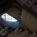 broken mirror thumbnail