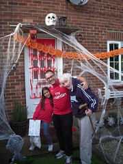 Haloween 2009 (Ronnie Biggs The Album) Tags: ronnie biggs greattrainrobbery oddmanout ronniebiggs ronaldbiggs