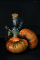 Tomates con aceite (Josepargil) Tags: tomates aceite aceitera josepargil