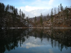 Kleiner dsee (simo2582) Tags: park trip travel schnee winter wild panorama mountain lake snow alps travelling ice nature beauty reflections walking landscape lago austria mirror see frozen reflex sterreich reisen europa europe frost view im natural hiking nowhere htte eu peak berge climbing vegetation alm wilderness alpen sandberg riflessi alpi blick obersterreich luce kleiner austrian reise specchio hutte grunau spitze wels alpino alpenverein almtal grnau schermberg welser sektion dsee sterreichischer almtalerhaus av flickrstruereflection1