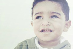 هتّآن •ماشاءالله• (SnAfeeR) Tags: morning light bw baby sun white man black cute guy love colors smile angel canon lens hope 50mm kid model eyes colours peace dream picture pic calm lovely advertizing ولد توني طفل اطفال بيبي colooors هتان samaher