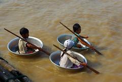 ... (rimantux) Tags: money kids asia cambodia siemreap snakes fishingvillage