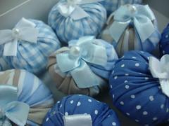 Sachs Bolinha (Vanilla Cat Crafts) Tags: handmade crafts artesanato craft gift beb pearl fofinho bolinha puf sachet colorido prolas lembrancinha lacinhos cheiroso perfumado sach