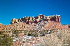 Moon Over Red Rock Mesa (Michael Guttman) Tags: moon newmexico southwest landscape highway rocks colorful redrock abiquiu ghostranch redrockcountry specland redrockmesa