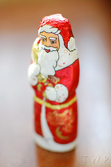 Father Christmas (WanderWorks) Tags: christmas candy chocolate foil father noel fatherchristmas 365 noël schokolade chocolat lindt 366 6366 шоколад 3662012 dsc5049c1g