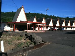 Ranch Motel View From Road View (ac_or) Tags: oregon ricehill ranchmotel vintagemotel uniquemotel tipimote