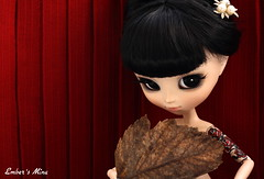 Autumn fan dance (pure_embers) Tags: show uk leaves rose tattoo garden dark fan dance doll dolls eyelashes gothic mina modified pullip pure burlesque pinup embers obitsu ddalgi