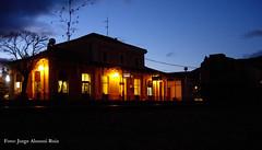 El sol se va. (Tomeso) Tags: noche spain huesca estacion nocturna aragon jaca 319 adif retales