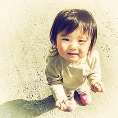 Nana (tAkOyaKI!) Tags: portrait cute film beach girl japan children japanese kid child sony grain soma sendai miyagi dscs60
