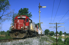 INRD 6009, CSX Hoosier Subdivision (Ex-Monon), Saltillo, Indiana (monon738) Tags: railroad train pentax indiana railway locomotive semaphore insulators csx freighttrain emd railfanning monon diesellocomotive sd60 csxtransportation poleline electromotivedivision z1p pentaxz1p inrd indianarailroad emdsd60 mononrailroad smcpa35105mmf35 csxhoosiersubdivision saltilloindiana inrd6009 csxz491 mononsemaphore