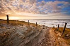 Passage to the sea II (Marco Battini) Tags: sunset sea beach fence zandvoort leefilter 09hardgrad