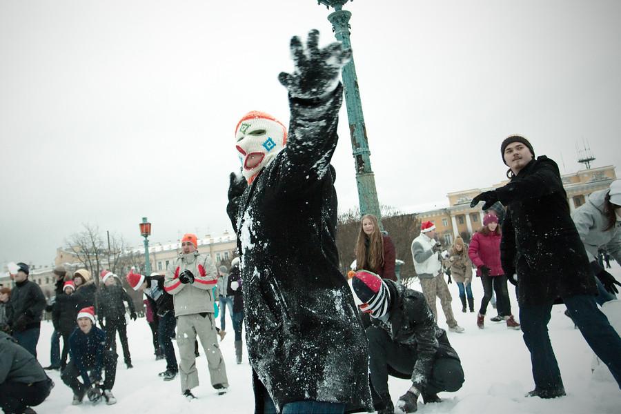 Снежная битва наМарсовом поле. © Roma Yandolin