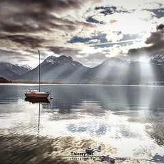 Spotlight (Thierry TH.) Tags: light lake annecy water sunshine boat hdr lacdannecy hautesavoie photomatix franchalp