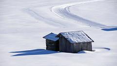Spuren im Schnee (mikiitaly) Tags: schnee winter italy sdtirol altoadige stadel loipe kematen colorphotoaward pfitsch bestcapturesaoi sailsevenseas elitegalleryaoi ringexcellence dblringexcellence elementsorganizer rememberthatmomentlevel1
