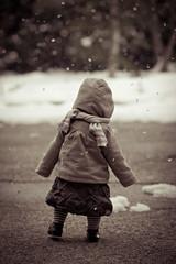 En avant la neige ! (Tiblack & Adine) Tags: winter baby snow cold canon eos child walk hiver 85mm neige f18 18 enfant froid bb marche charpe blouson 60d