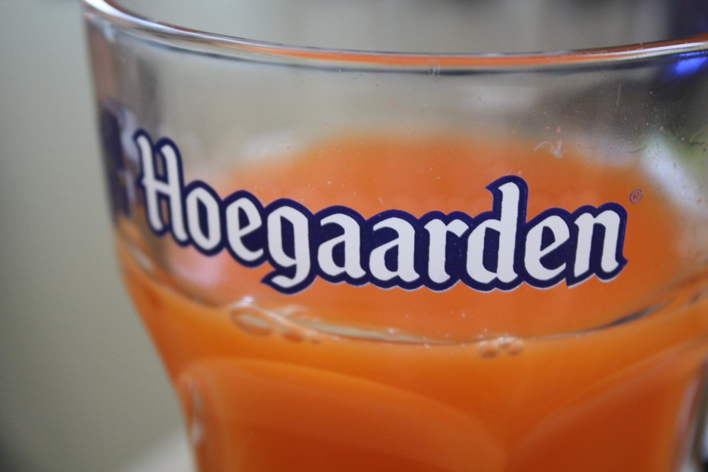 hoegaarden beer how to drink