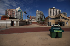 Durban Beachfront (Chris Bloom) Tags: building southafrica beachfront day38 durban kwazulunatal 070212 project3662012 07feb12
