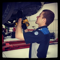 At Vorderman Volkswagen Service Center in Fort Wayne -Zach performing scheduled maintenance #oilchange #fortwayne #vordermanvw (reg.vorderman) Tags: volkswagen vorderman vordermanvolkswagen httpvordermanvolkswagencom