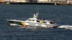 CFR5893 (Carlos F1) Tags: barcelona sea marina puerto boat mar spain nikon barco harbour police motor lancha d300 guardiacivil polica helipuerto lepb